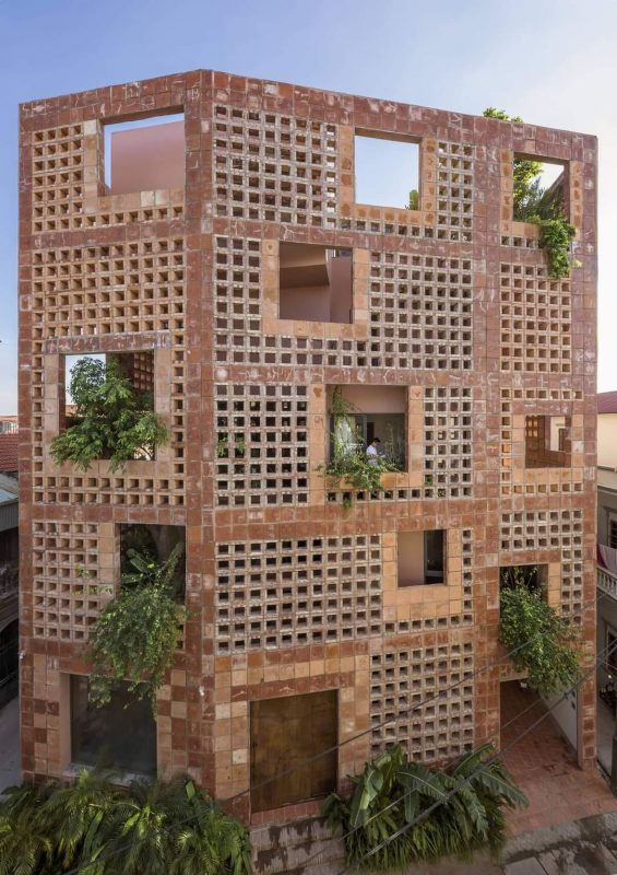 TDy-Corners-BAT-TRANG-TERRACOTTA-HOUSE-WON-AT-THE-INTERNATIONAL-ARCHITECTURE-AWARDS