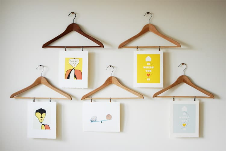 TDy-Corners-Decorating-the-old-wall-with-hangers