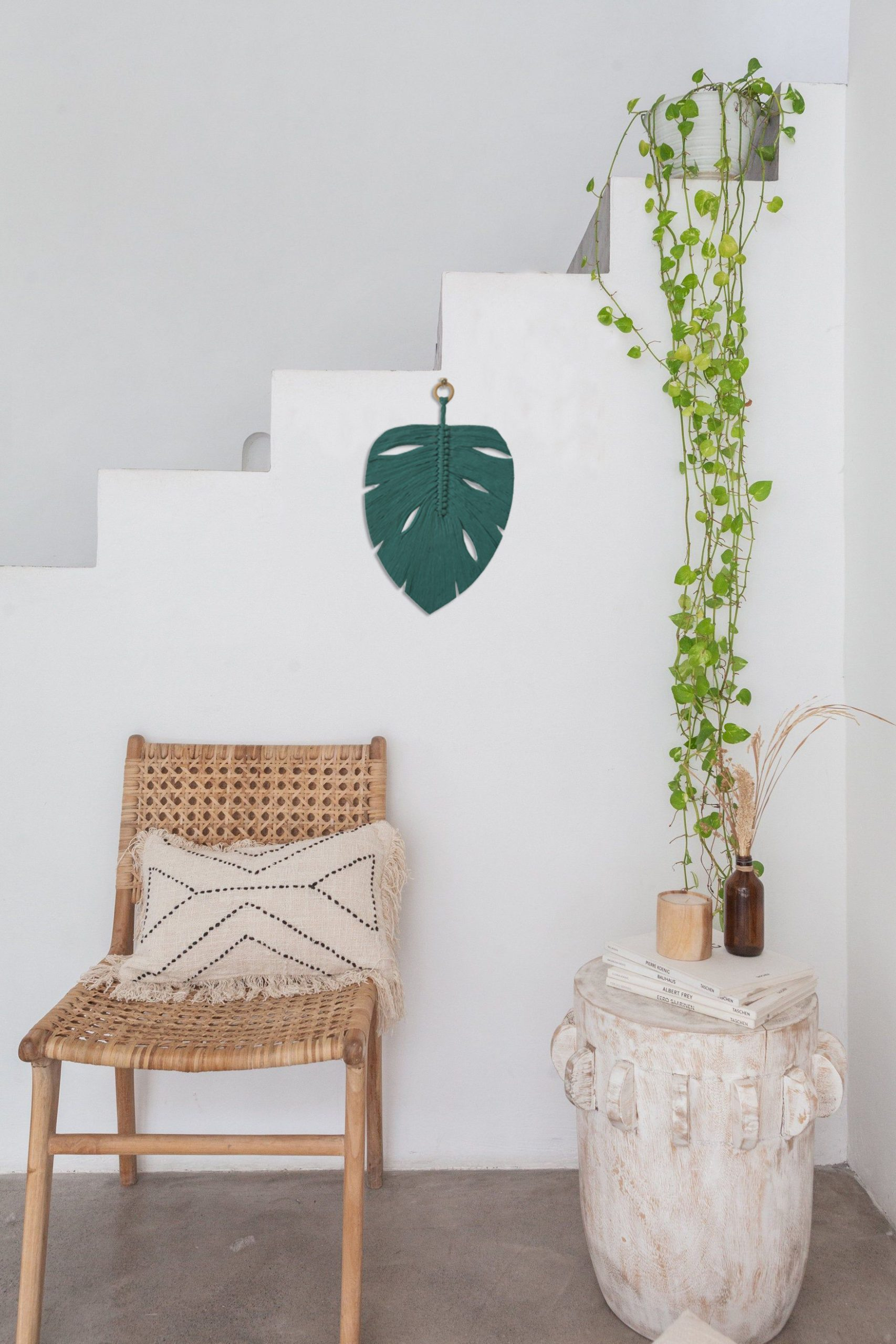 TDy Corners Macrame Feather Monstera Leaf Wall Hanging (2)