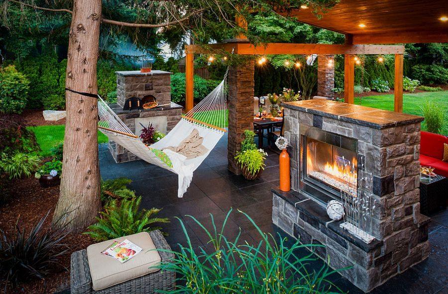 TDy-Corners-backyard-decorating-idea-with-hammock