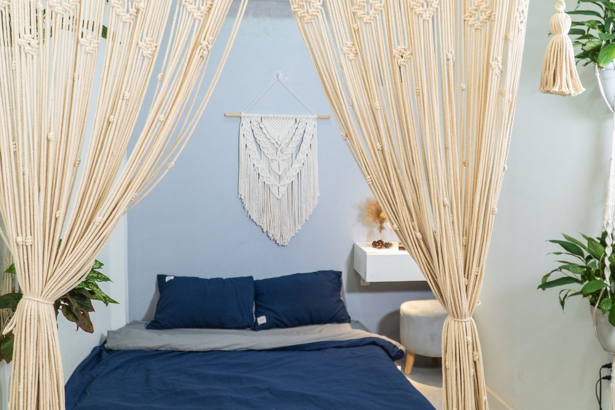 TDy-Corners-decorate-bedroom-with-macrame-products