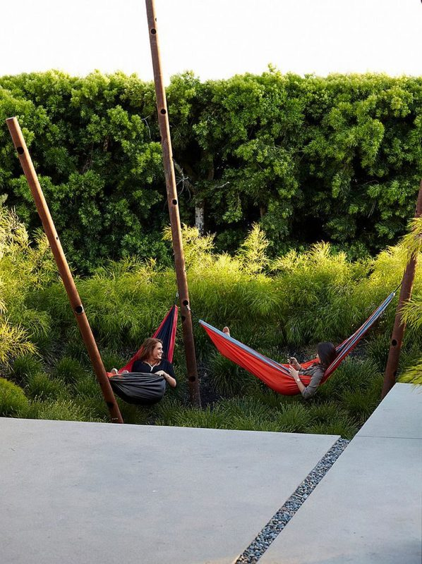 TDy-Corners-decorating-for-summer-with-hammock