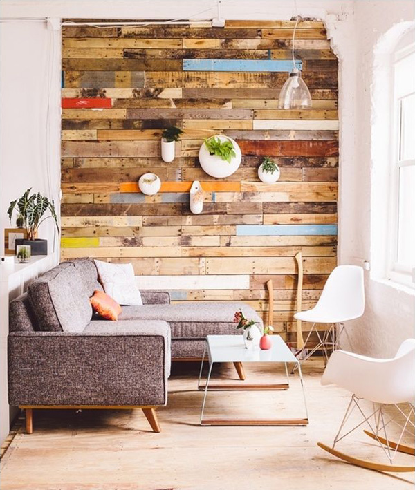 TDy-Corners-decorating-old-wall-with-wood