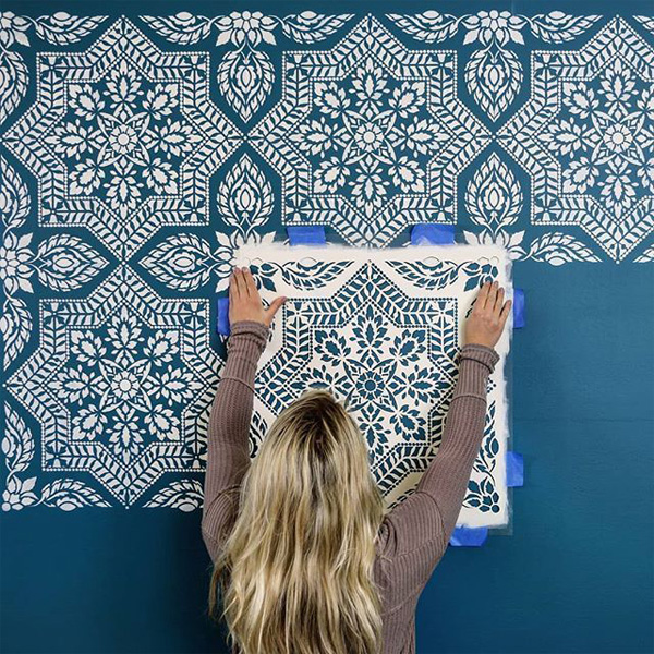 TDy-Corners-decorating-the-old-wall-with-pattern