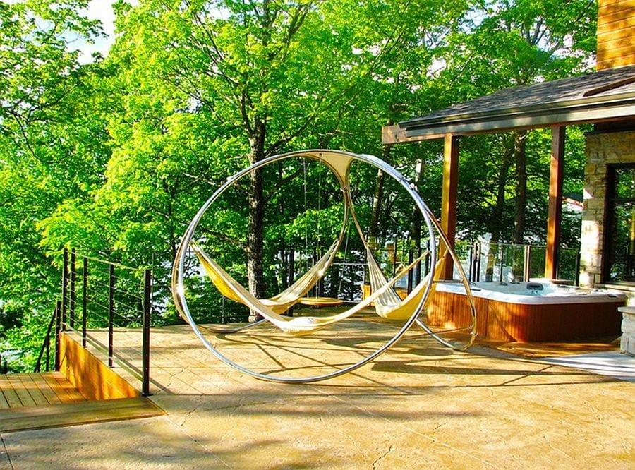 TDy-Corners-hanging-hammock-in-backyard