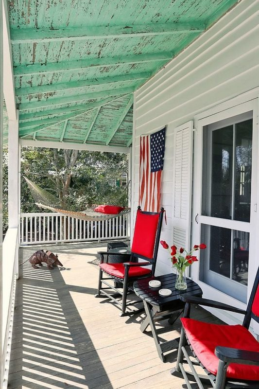 TDy-Corners-idea-of-decorating-balcony