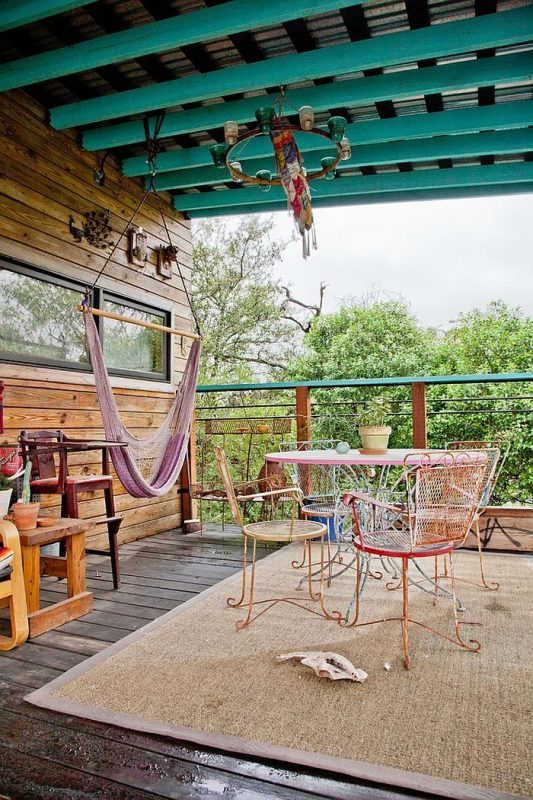 TDy-Corners-idea-of-decorating-balcony-or-backyard-with-hammock-for-summer
