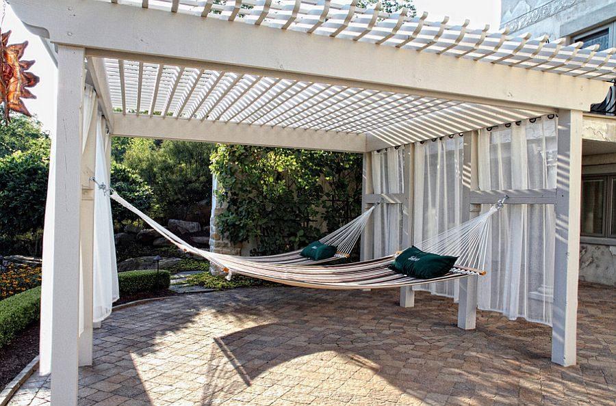 TDy-Corners-place-of-backyard-to-hang-hammock-
