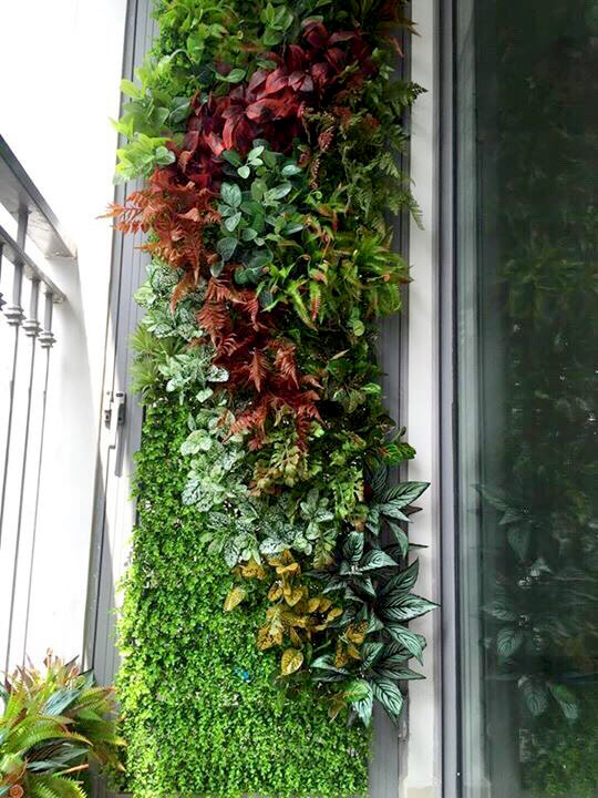 TDy-Corners-way-to-decorate-small-balcony-1