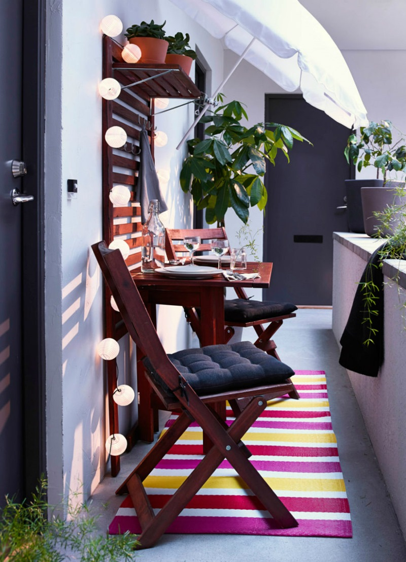 TDy-Corners-way-to-decorate-small-balcony-10