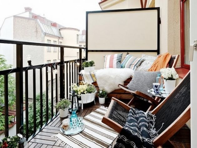 TDy-Corners-way-to-decorate-small-balcony-20