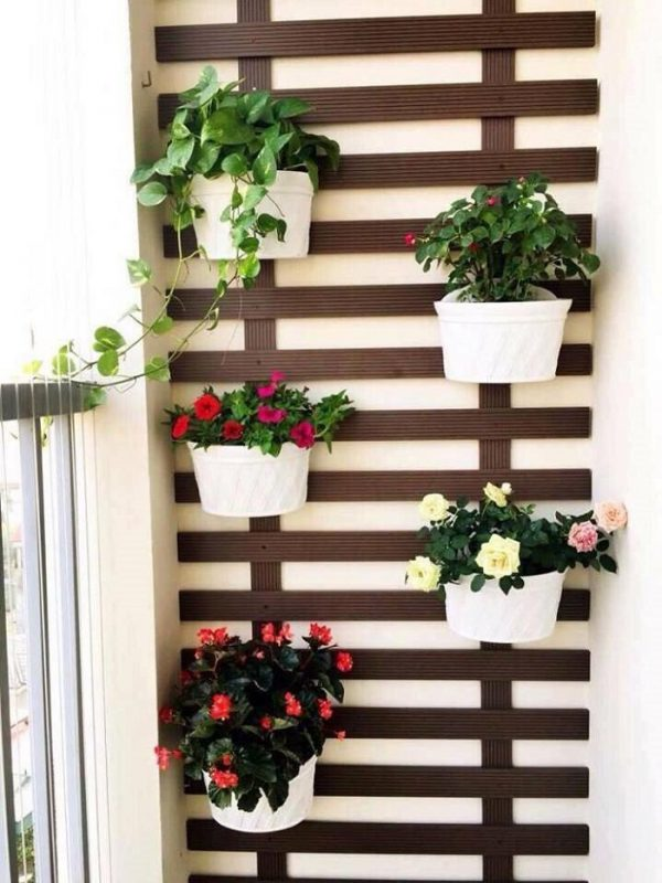TDy-Corners-way-to-decorate-small-balcony-4